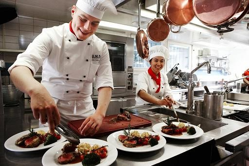 Ngày hội thông tin du học Thụy Sỹ & Cơ hội thực tập hưởng lương