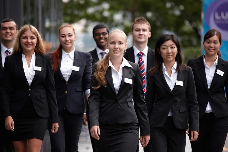 Hình ảnh chuyên nghiệp của sinh viên BHMS